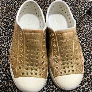 Native gold glitter shoes